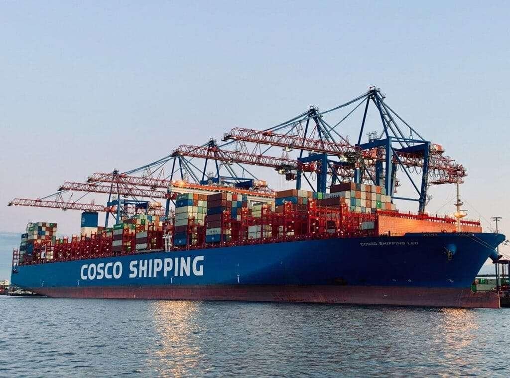 buque carga contenedores