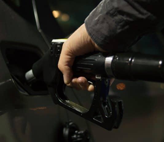 El precio del petróleo en el comercio internacional